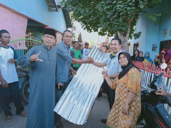 Foto : saat pemberian bantuan