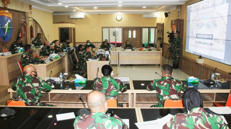 Pimpin Rapat Evaluasi, Pangdam XII/Tpr