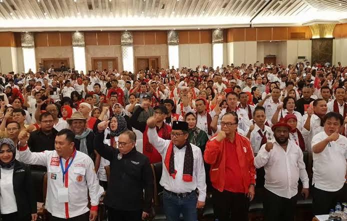 Sekjen PDI Perjuangan yang melihat soliditas kabinet yang berpotensi terganggu oleh imajinasi menteri