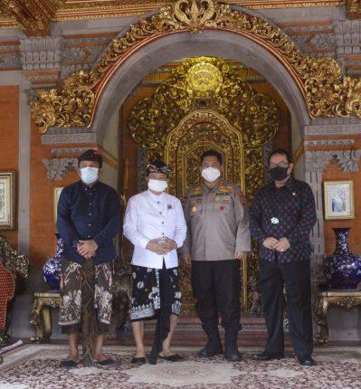 Gubernur Bali Wayan Koster menerima kunjungan Irjen Pol Petrus Reinhard Golose di Rumah Jabatan Gubernur Bali