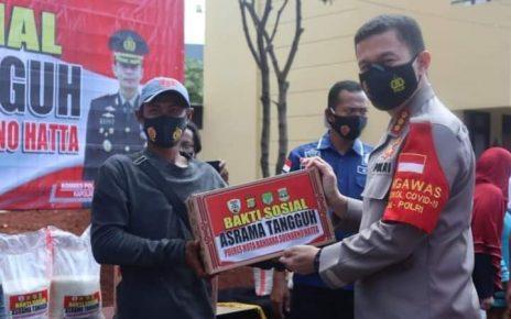 Polresta Bandara Soekarno-Hatta melaksanakan bakti sosial di Asrama Polresta Bandara Soekarno-Hatta, Kamis (24/12/2020).