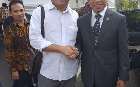 Menteri Pemuda dan Olahraga (Menpora) Zainudin Amali bersama Gumilar Abdul Latief, Ketua Umum KAMIJO