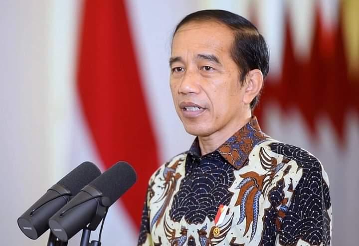 Presiden Jokowi memberikan sambutan pada Peringatan Natal Nasional Tahun 2020, sacara virtual Minggu