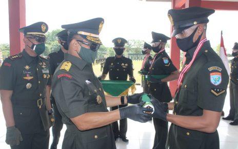 Panglima Kodam XII Tanjungpura Lantik dan Sumpah 322 Bintara Remaja Abit Dikmaba TNI AD