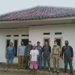IMG-20211025Koptu M.S Pingi Koramil 0622-14/ Surade Mendampingi 40 Bantuan Rutilahu di KelurahanWA0177-0d2107ab